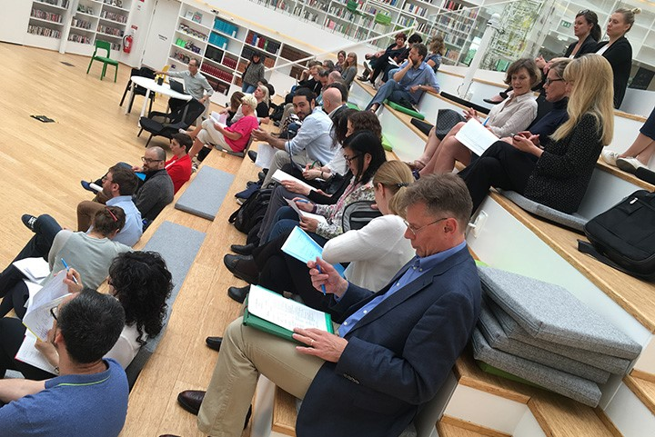 Researchers and their colleagues gathered in the Campus Falun library to hear the short presentations.